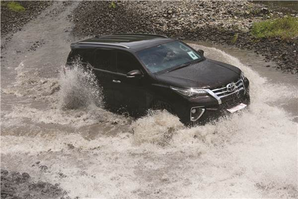 Fortuner4 - Killer Toyota All New Fortuner