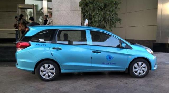Nasib Mobil LMPV Kini Jadi Taksi - Nasib Mobil LMPV Kini Jadi Taksi