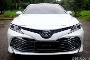 Penjualan Toyota Ketolong New Avanza dan New Camry 300x199 - Penjualan Toyota Ketolong New Avanza dan New Camry